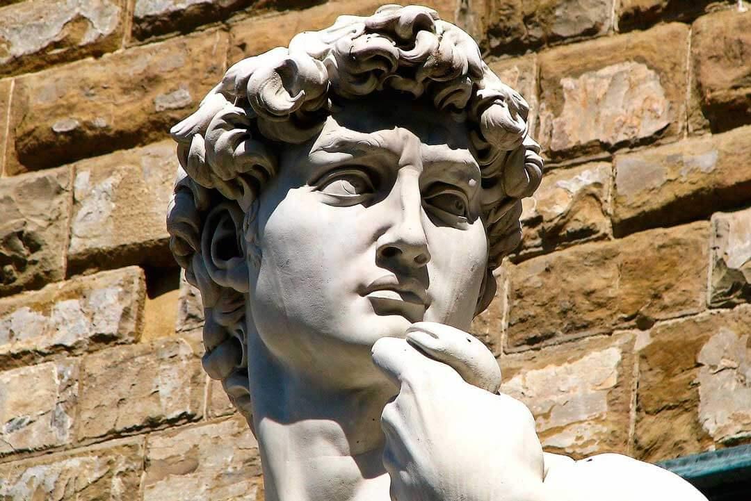 escultor griego crucigrama